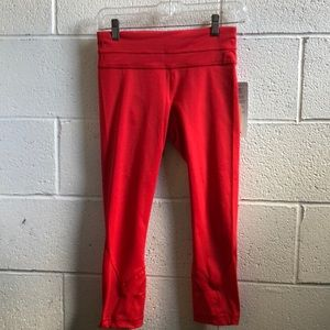 Lululemon red Run:inspire crop II sz 4 NWT 61422